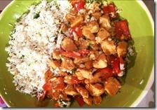 Pollo e riso in salsa di mandorle