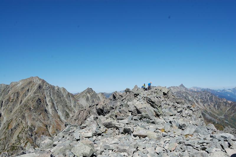 だだっ広い前穂高岳の山頂
