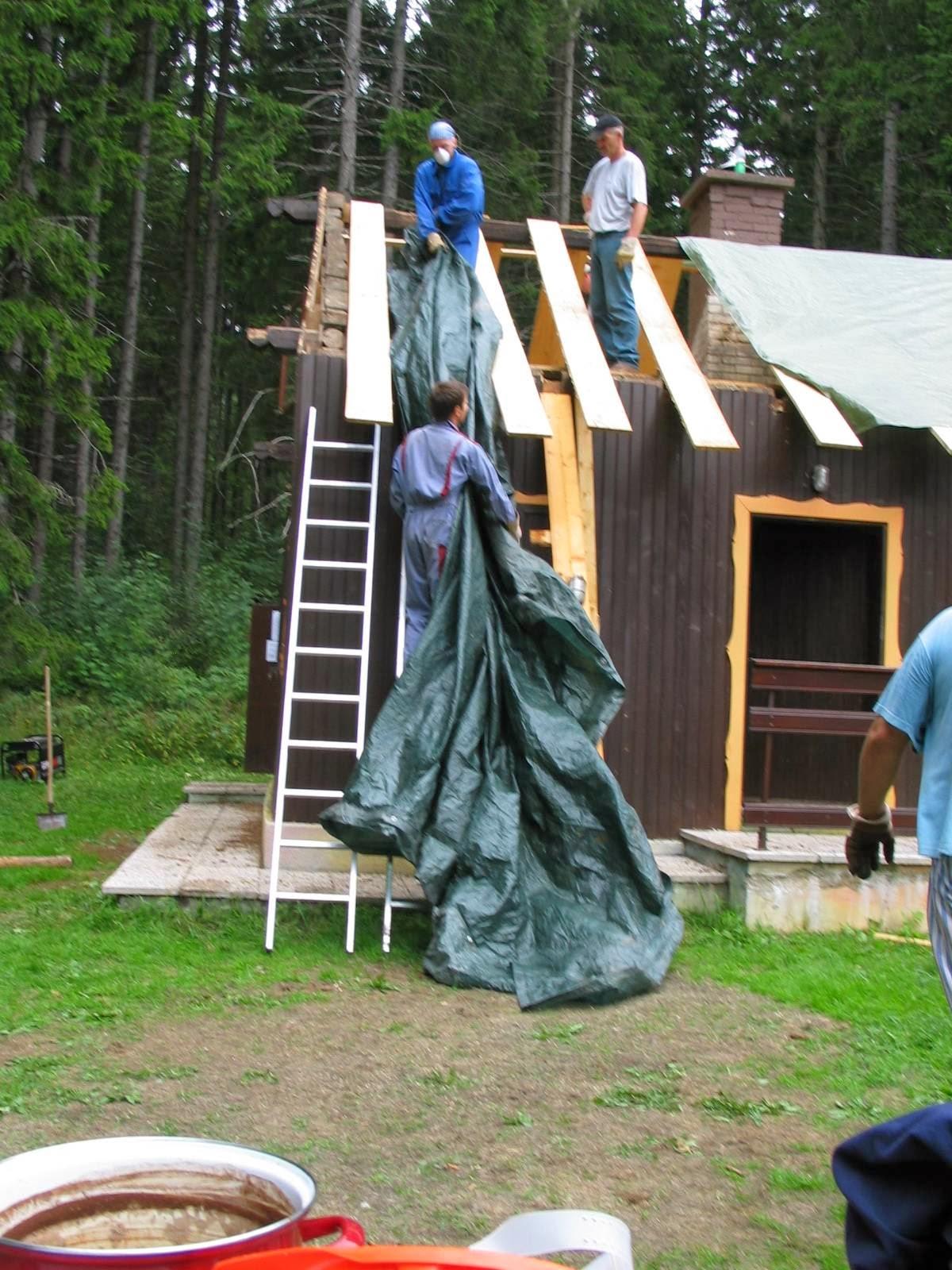 Delovna akcija - Streha, Črni dol 2006 - streha%2B147.jpg