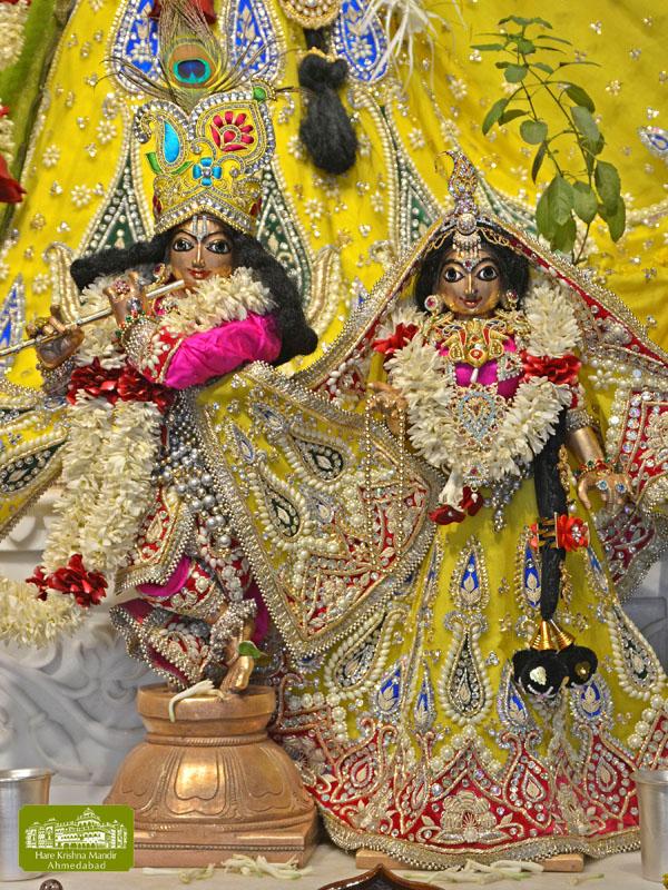 ISKCON Hare Krishna mandir Ahmedabad  07 Jan 2017 (8)