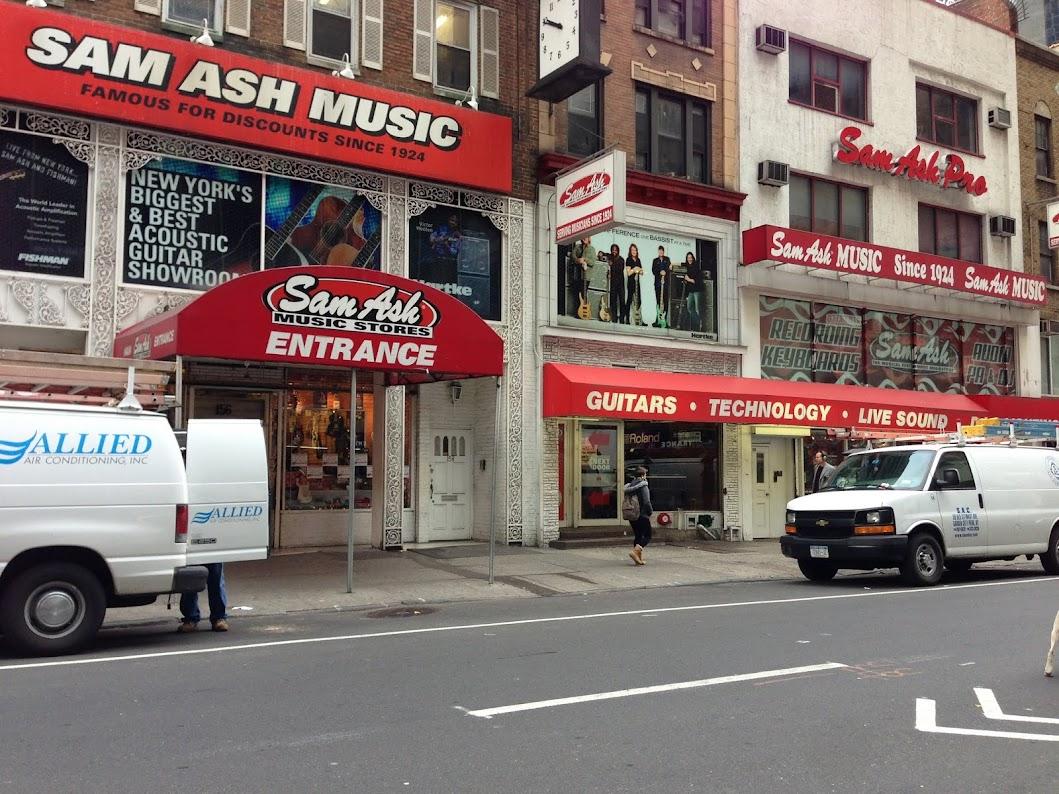 SAM ASH タイムズスクエア店