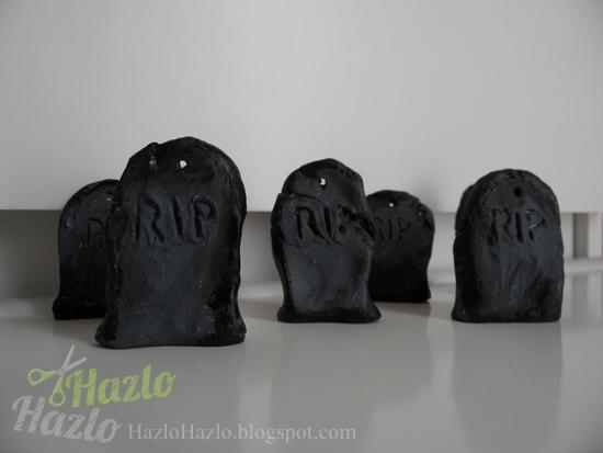 Cómo hacer lápidas para decorar en Halloween.