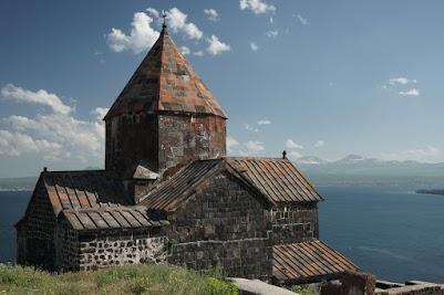Das Kloster Sevanvank oberhalb des Sevansee