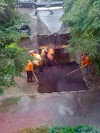 FOTO Autotehnorom asfaltează din nou pe ploaie, în Burdujeni