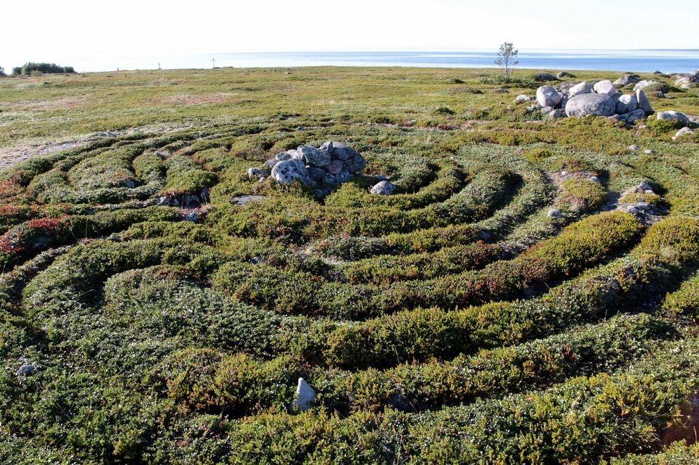 bolshoi-zayatsky-labyrinths-7