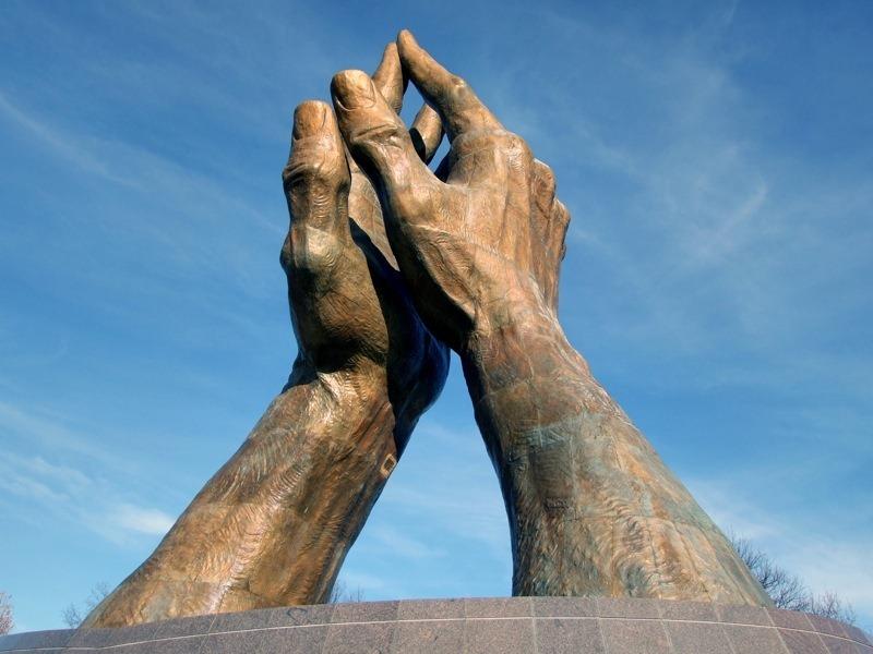 praying-hands-tulsa-2