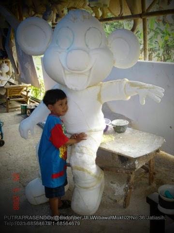 Patung Maskot Fiberglass