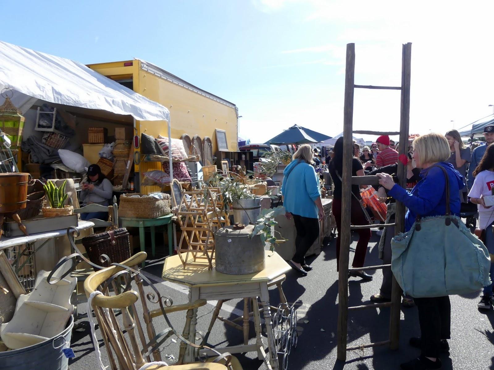 Photos long beach antique market for Long beach antique market