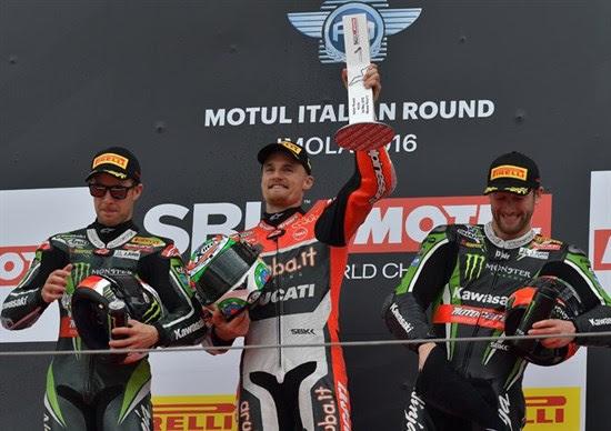 1011-r05-davies-podium.jpg
