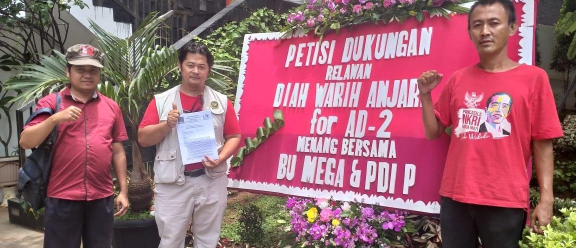 Luar Biasa, Relawan Diwa Gelar Aksi Simpatik, Buat Petisi dan Karangan Bunga untuk Bu Mega