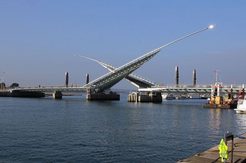 twin-sails-bridge-2