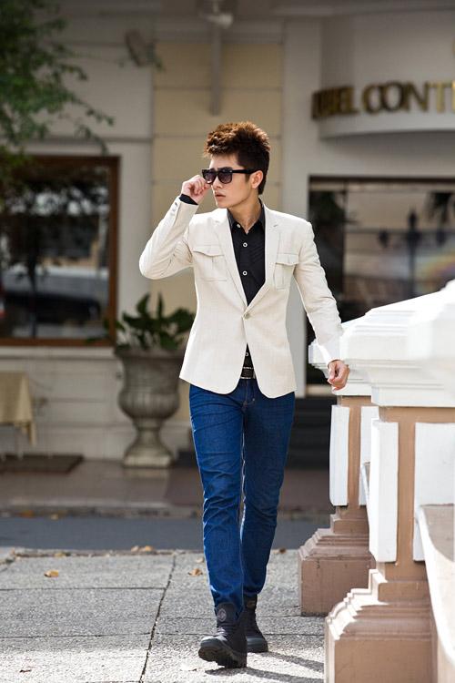 Chon ao vest nam dep de mac cung quan jeans  9