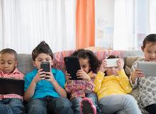 Чому необхідно обмежити час користування ґаджетами та смартфонами дітьми