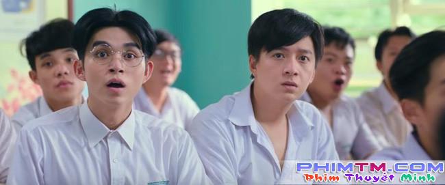 Ngô Kiến Huy thất tình ngồi khóc và hát nghêu ngao trong trailer Cô Gái Đến Từ Hôm Qua - Ảnh 2.