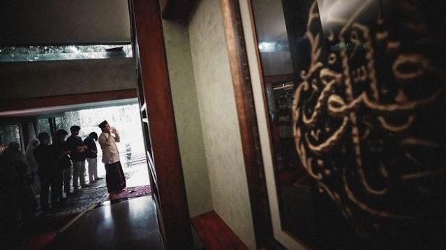 Salat Idul Adha di Rumah, Anies Jadi Imam, Sang Putra Jadi Khotib