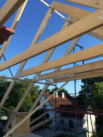 2015 unser haus wir bauen mit pde massivbau das dach ist gezimmert. Black Bedroom Furniture Sets. Home Design Ideas