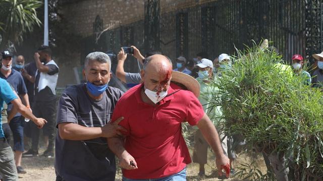 Πώς ερμηνεύονται οι εξελίξεις στην Τυνησία