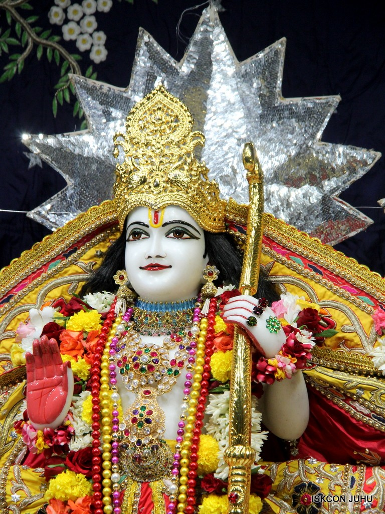 ISKCON Juhu Sringar Deity Darshan 22 Nov 2016 (29)
