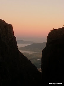 Early-morning view down Duiwelskloof