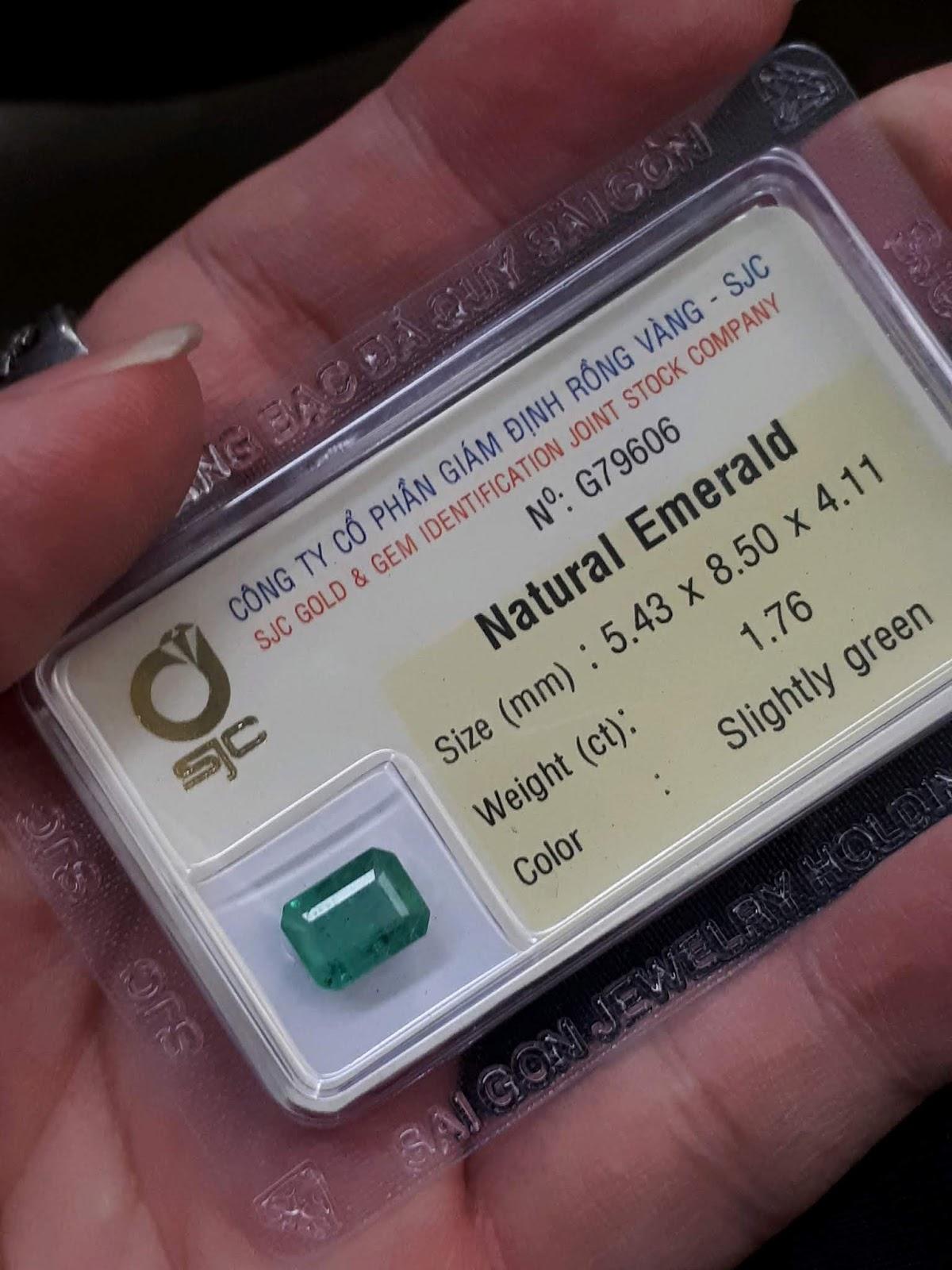 Đá Emerald Ngọc Lục Bảo thiên nhiên 1,76cts đã kiểm định SJC Rồng Vàng