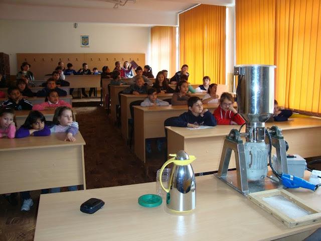 ECO-Lectia - proiect educational la Sc.gen.nr.5 Medias- 2013-2014 - DSC00095.JPG