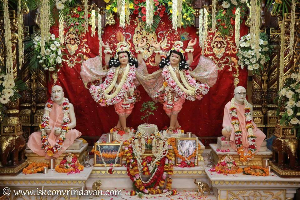 ISKCON Vrindavan Shringar Deity Darshan 29 May  2016 (10)