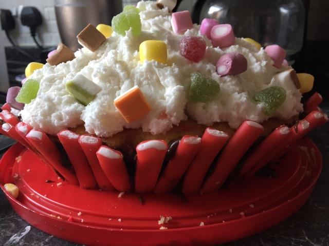 giant-cupcake-cake