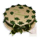 37. kép: Ünnepi torták - Zöld leveles szalagos születésnapi torta