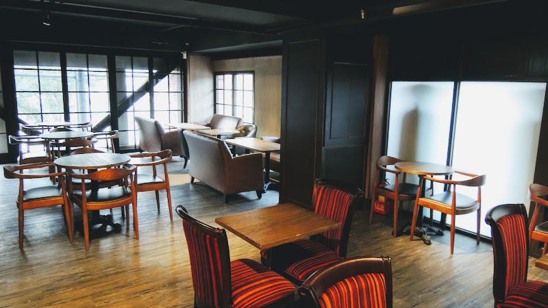 BARISTA COFFEE 西雅圖極品咖啡二樓還有許多座位.JPG