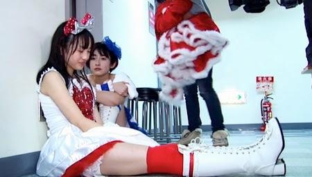 Momoiro Clover - Kanako & Akarin