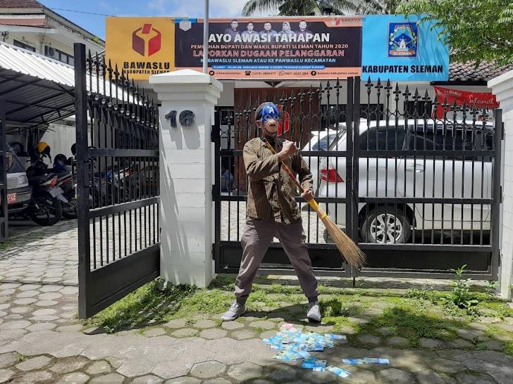 Aksi JCW Di Bawaslu Sleman, Dukung Tuntaskan Pelanggaran Pemilu