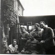 Photo: 1939 ingekwartierde soldaten aan de Dreef.