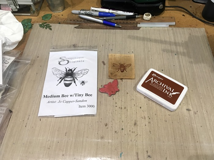 01 Stamping the Bee on the Teabag