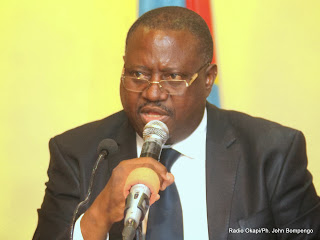 Richard Muyej, Ministère de l'Intérieur, Sécurité, Décentralisation et Affaires coutumières de la RDC le 25/02/2014 à Kinshasa, lors d'une conférence de presse. Radio Okapi/Ph. John Bompengo