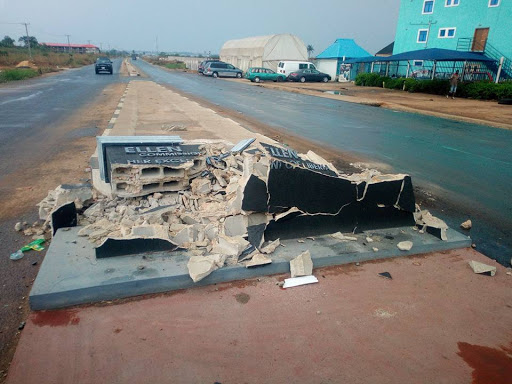 PHOTOS: Ellen Johnson Sirleaf road sign vandalized in Imo state.