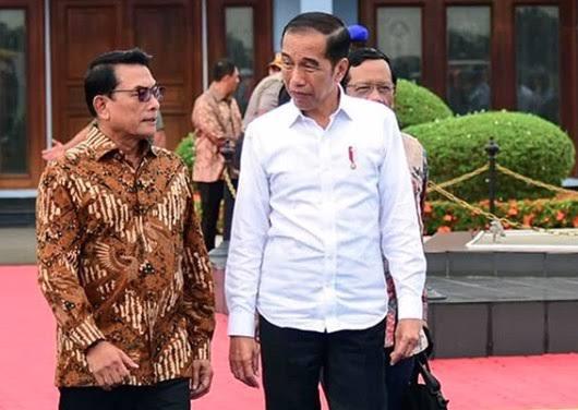Natalius Pigai Sebut Moeldoko Ingin Jadi Menko Polhukam, Jokowi Tak Butuh Mahfud Lagi?