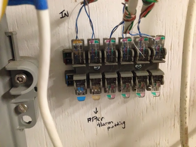 house is apparently cat 5 wired home networking help please ars rh arstechnica com cat 5 wiring for home audio cat 5 cable home wiring