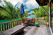 บรรยากาศริมระเบียงของห้อง Grand Deluxe ใน อาน่ารีสอร์ท แอนด์ สปา หาดคลองพร้าว เกาะช้าง