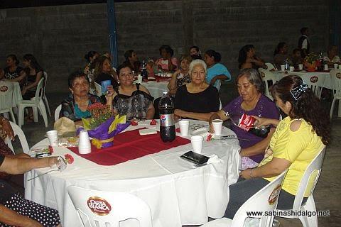 Madres de las colonias del sur son homenajeadas