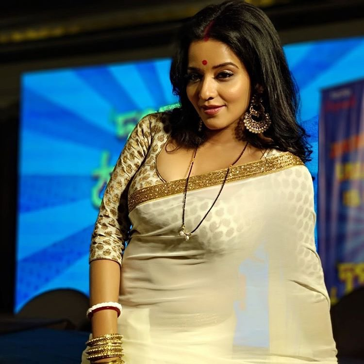 Monalisa in Transparent Saree exposing melons | Bengali Actress