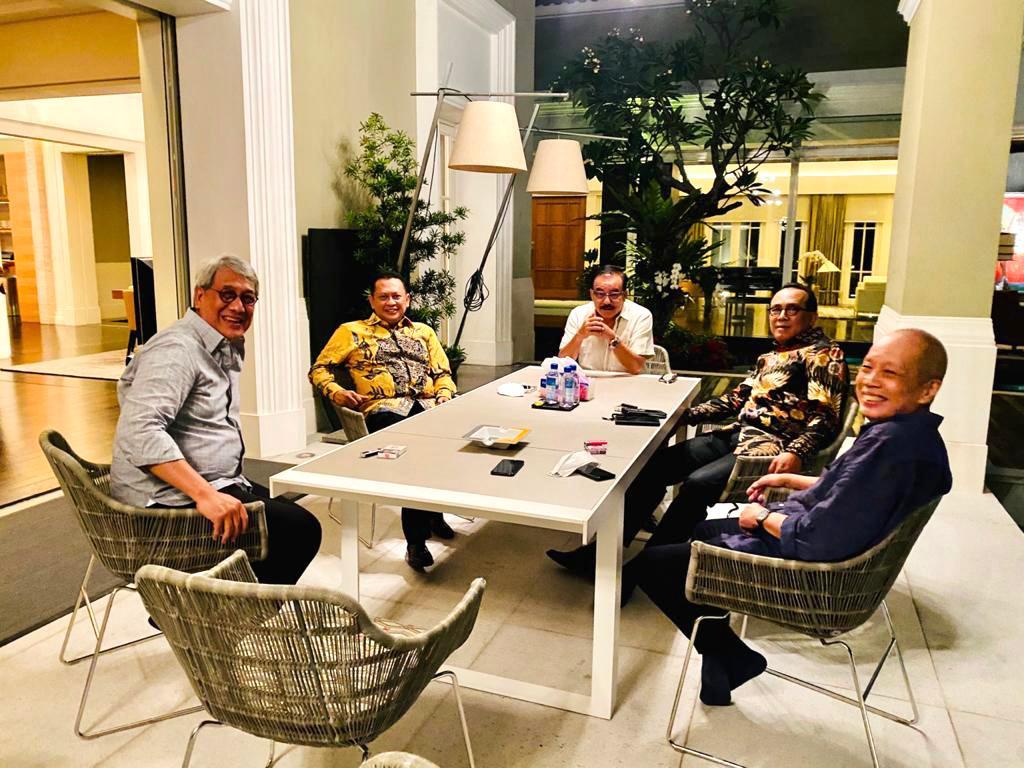 Besarkan IMI, Bamsoet Gandeng Pereli Nasional Ricardo Gelael