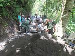 Corblok Jalan Diatas Tebing Pedukuhan Wonosari Kalurahan Purwosari