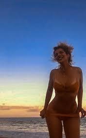Vanessa da Mata diva da MPB faz 45 anos