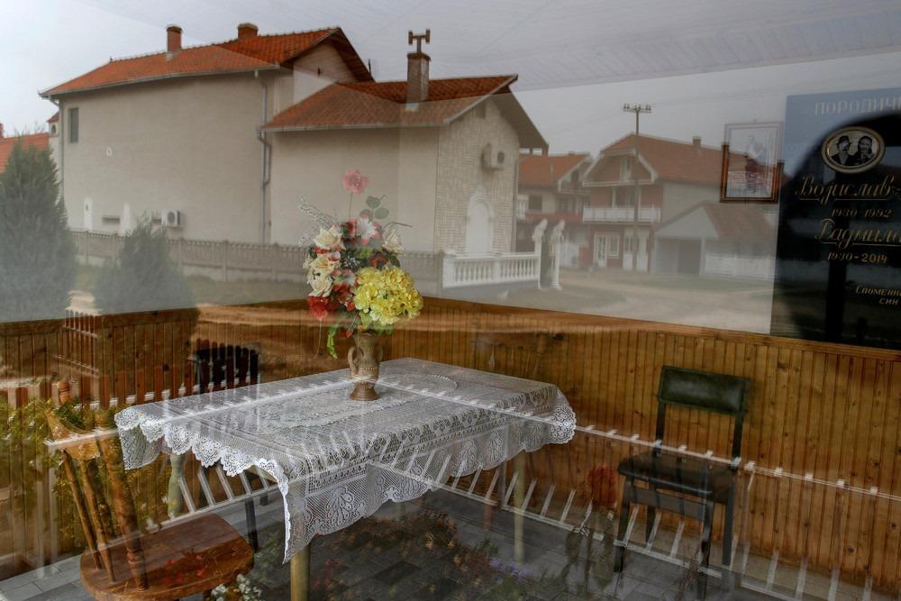 serbia-bungalow-cemeteries-4