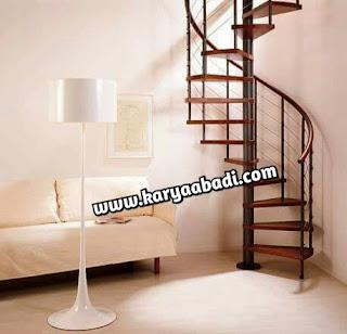 Tangga putar atau tangga spiral