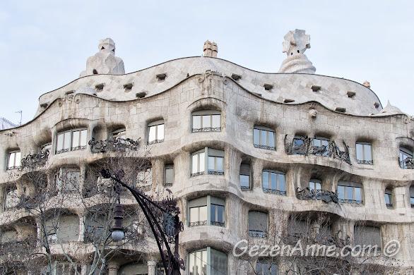 Gaudi eseri Casa Mila (taş ocağı)