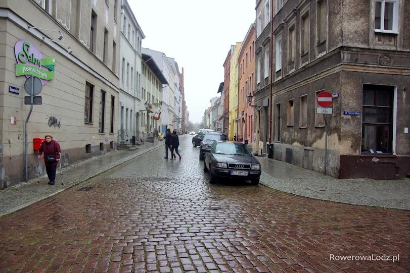 Kolejna ulica z dopuszczonym ruchem rowerów w obu kierunkach.