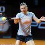 STUTTGART, GERMANY - APRIL 21 : Simona Halep in action at the 2016 Porsche Tennis Grand Prix