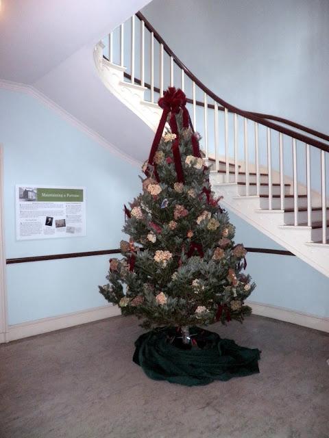 Mt Washington Garden Club 2011 - Front Hall