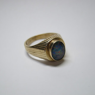 9K Gold and Opal Ring